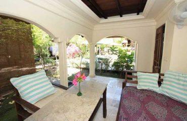 4-person-family-bungalow-terrace